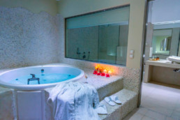 Suite with Spa Bath - Splendour Santorini